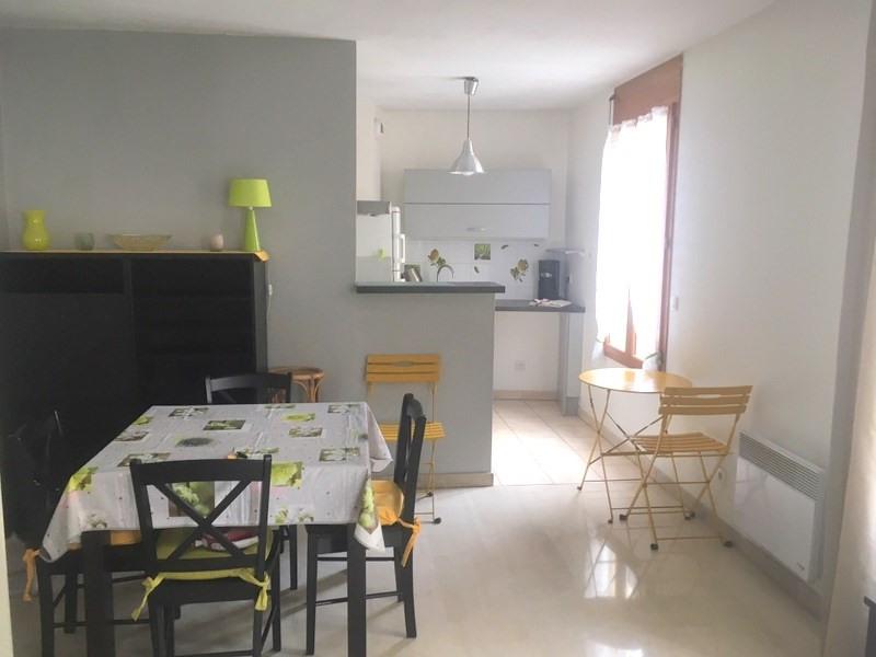 Rental apartment Lyon 4ème 750€ CC - Picture 2