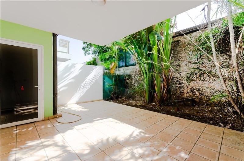 Rental apartment St pierre 735€ CC - Picture 3