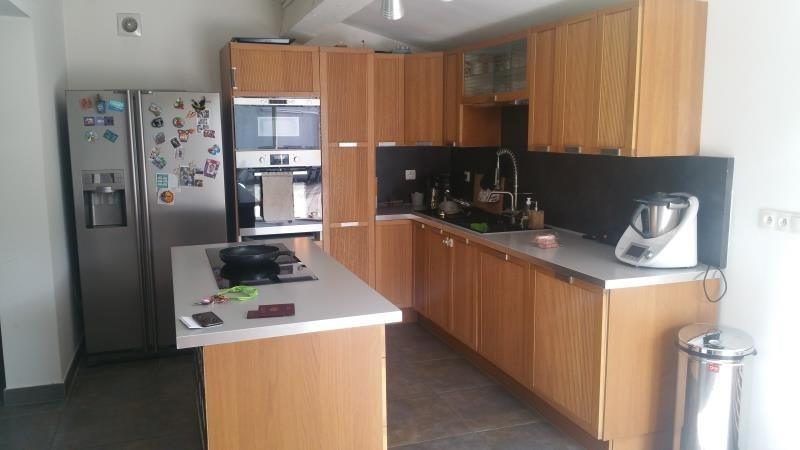 Sale house / villa Cuers 404000€ - Picture 3