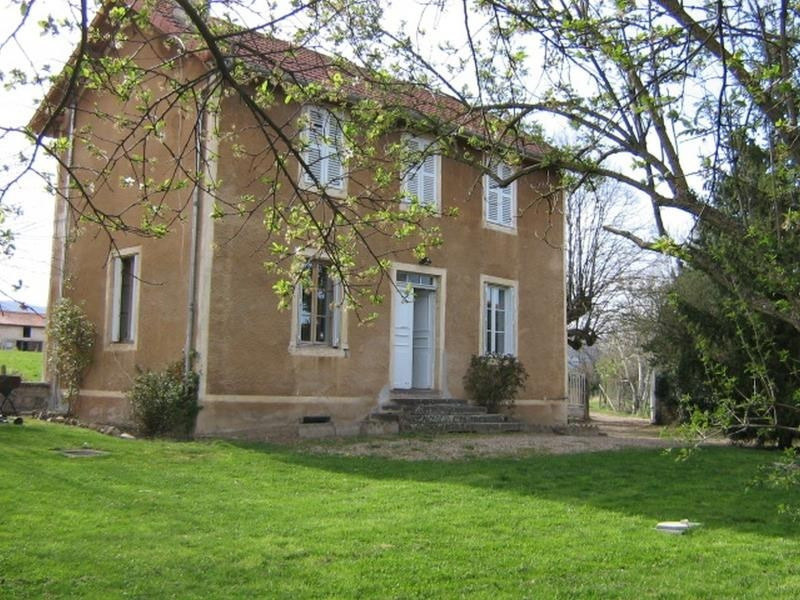 Rental house / villa Ouches 690€ CC - Picture 1