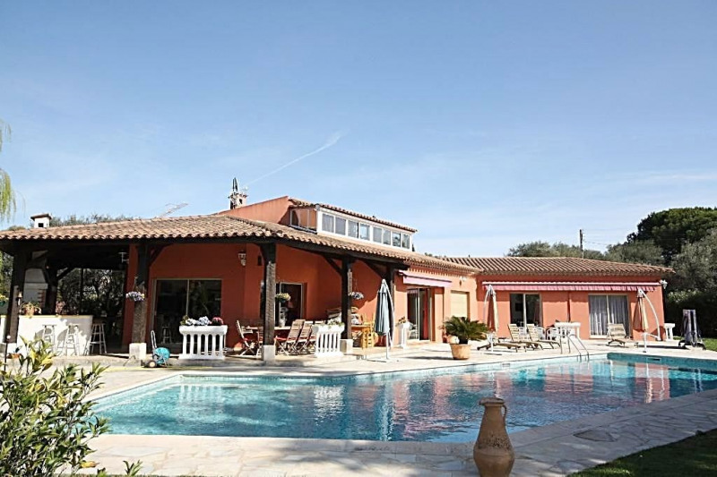 Deluxe sale house / villa Antibes 1160000€ - Picture 1