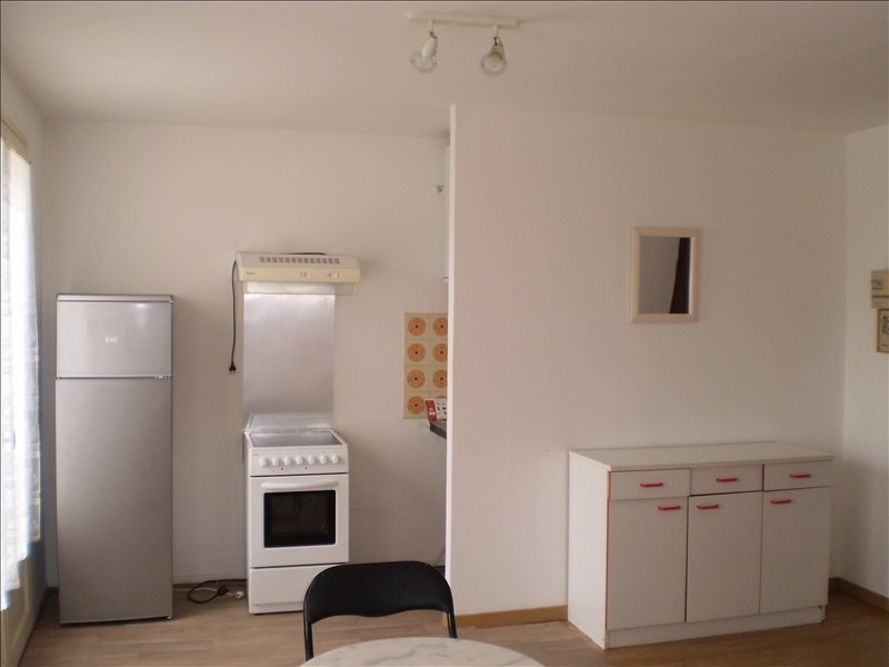 Location appartement Auch 315€ CC - Photo 3