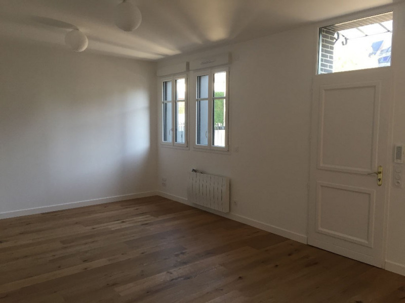 Sale apartment Laval 167 000€ - Picture 3