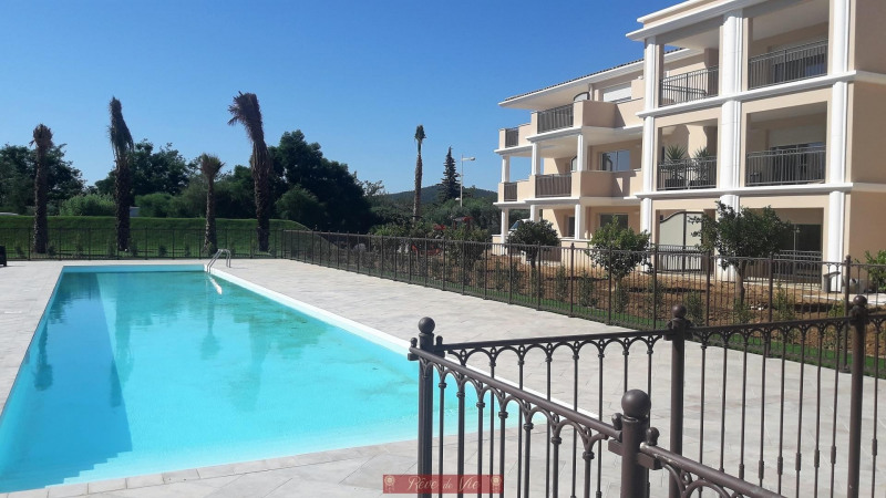 Deluxe sale apartment Bormes les mimosas 335 000€ - Picture 2