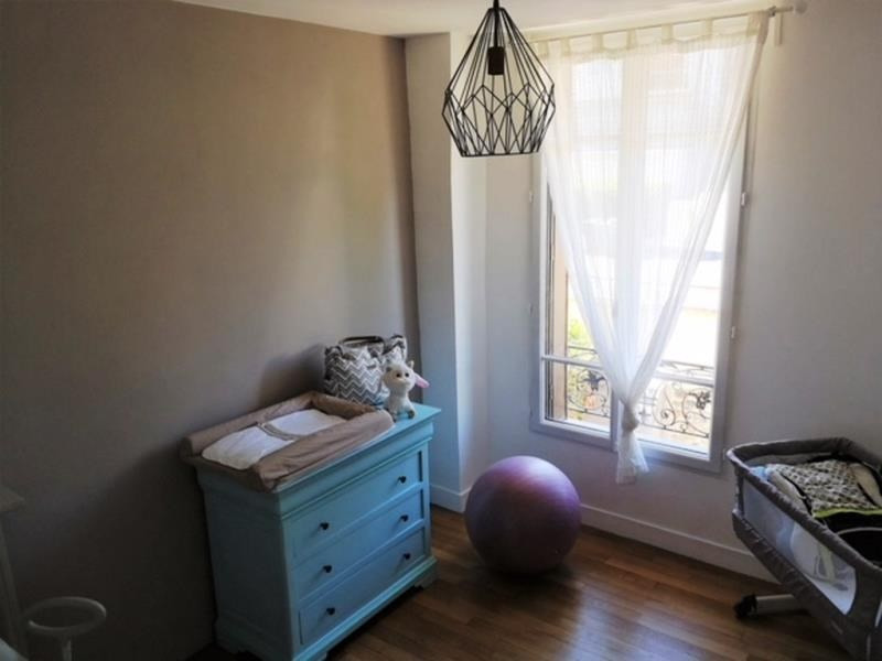 Sale apartment Le mesnil le roi 346500€ - Picture 4