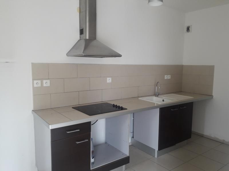Sale apartment St paul 265 951€ - Picture 2