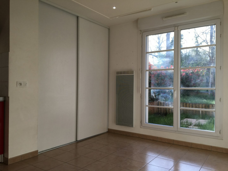 Rental apartment Herblay 530€ CC - Picture 2