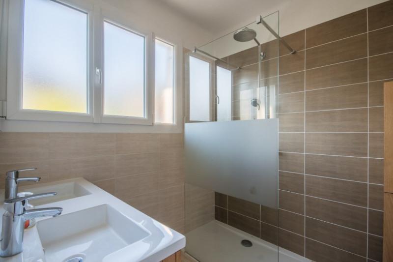 Sale house / villa Bassens 369250€ - Picture 5