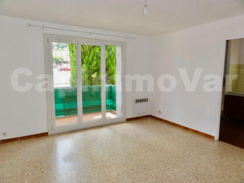 Rental apartment Le beausset 459€ CC - Picture 3
