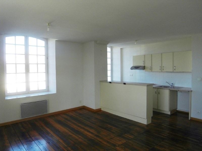 Rental apartment Cognac 438€ CC - Picture 2