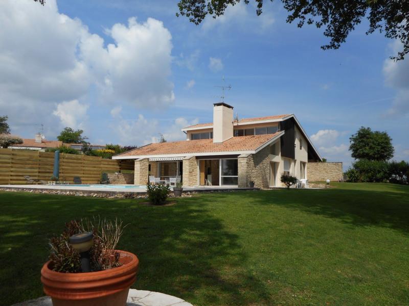Sale house / villa La reole 399000€ - Picture 1