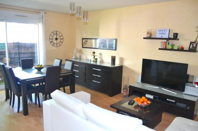 Sale apartment L hermitage 167745€ - Picture 2