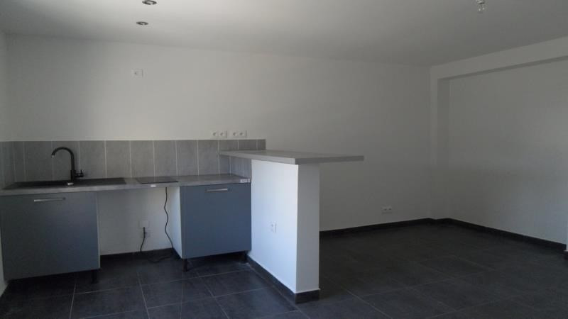 Location appartement Saint andre les vergers 450€ CC - Photo 3