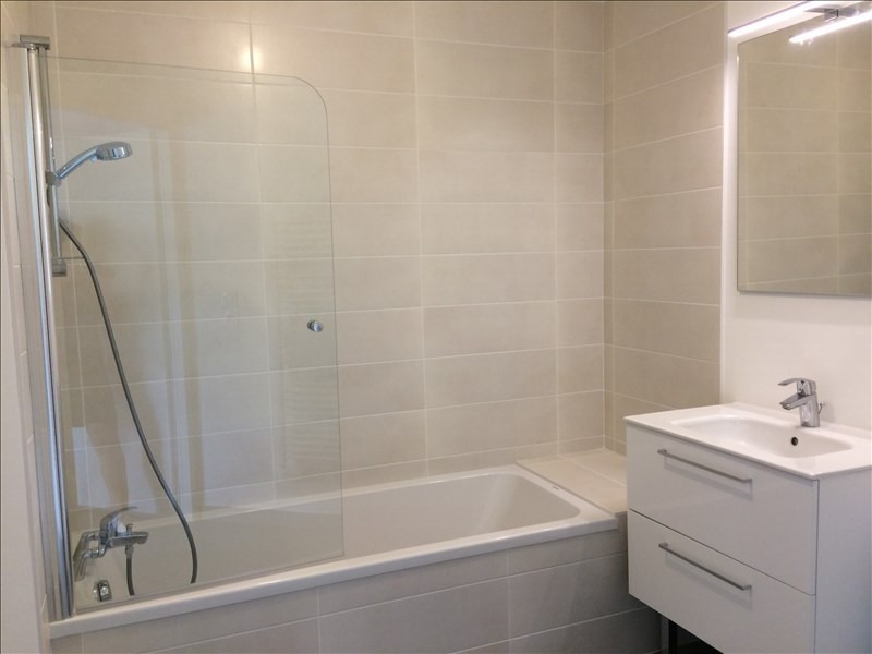 Location appartement La roche sur foron 810€ CC - Photo 4