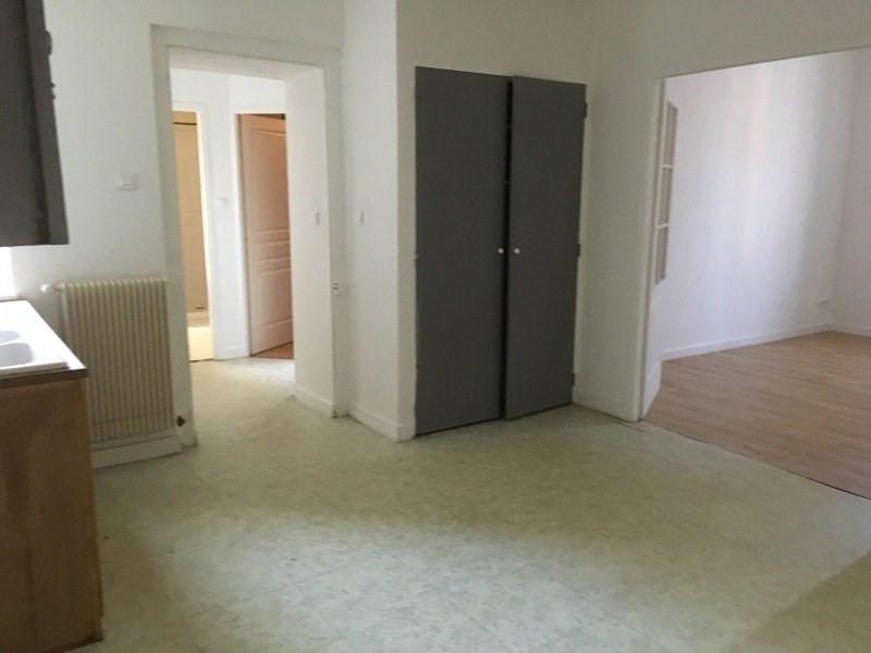 Location appartement Marlieux 610€ CC - Photo 4