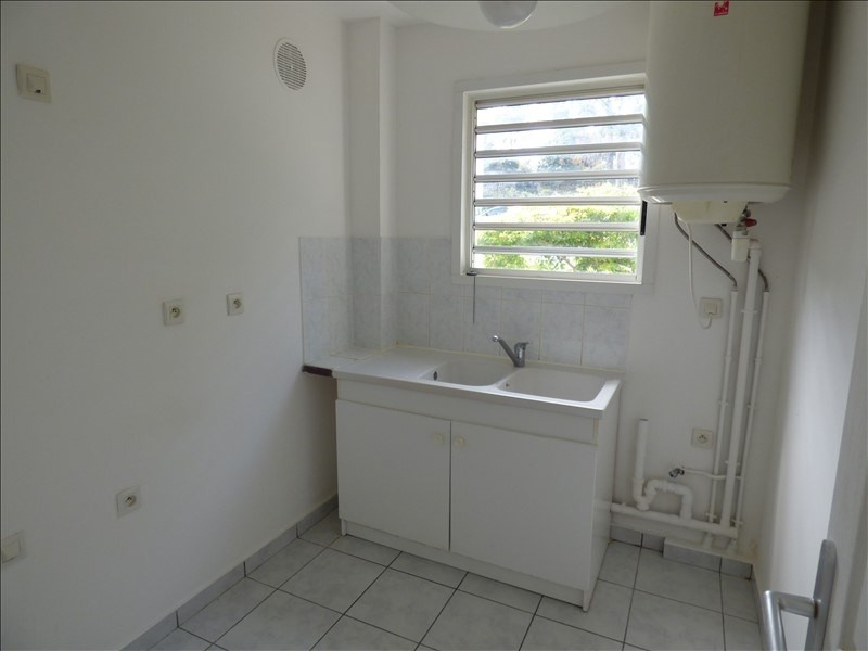 Investment property apartment St pierre 78 500€ - Picture 4