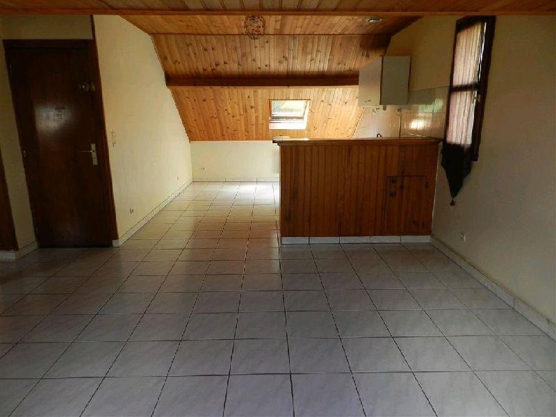 Locação apartamento La ville du bois 725€ CC - Fotografia 2