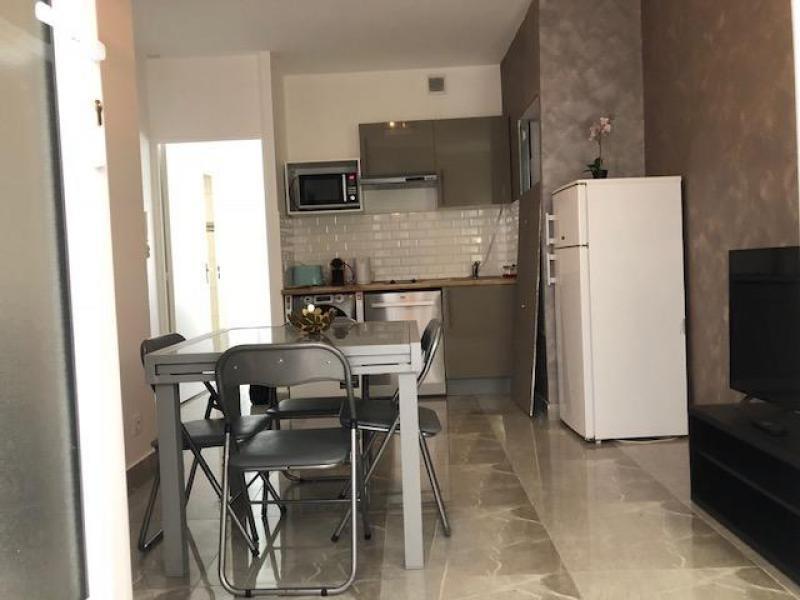 Rental apartment Paris 17ème 2400€ CC - Picture 1