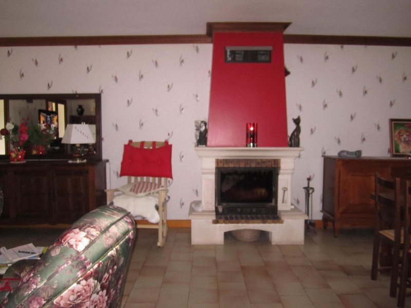 Sale house / villa Condéon 210 000€ - Picture 7