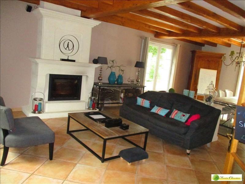Vente maison / villa Voeuil et giget 424000€ - Photo 18