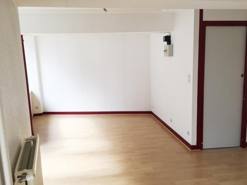 Rental empty room/storage Fougeres 250€ HT/HC - Picture 3