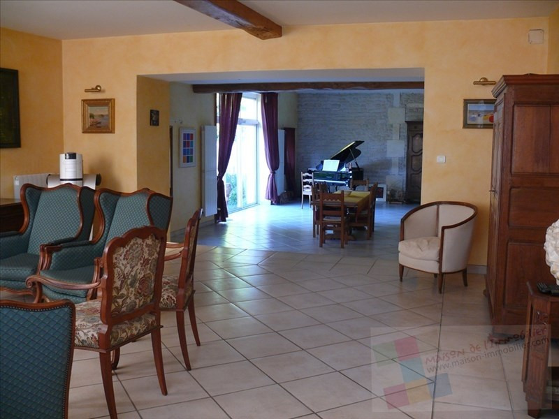 Sale house / villa Mesnac 434 600€ - Picture 4