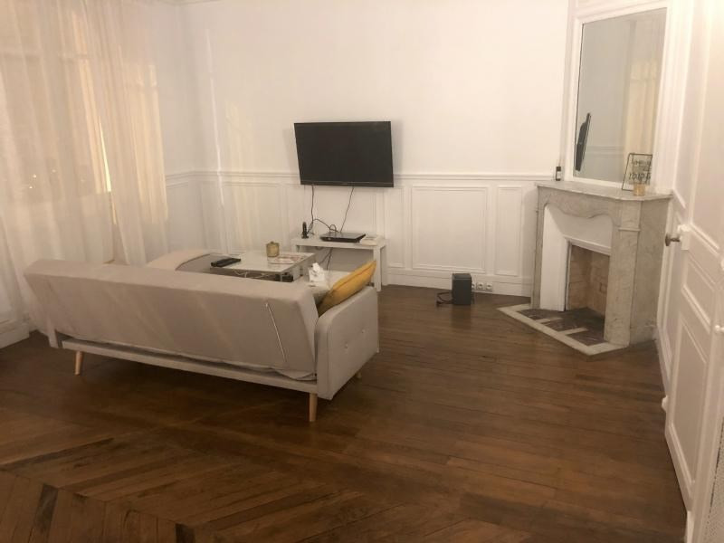 Rental apartment Paris 16ème 1 800€ CC - Picture 2
