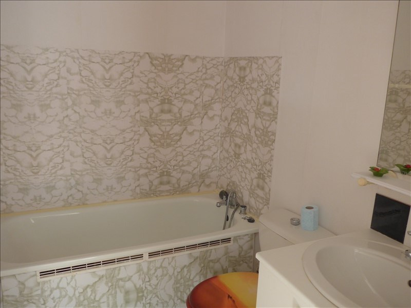 Sale apartment La roche sur yon 70 500€ - Picture 3