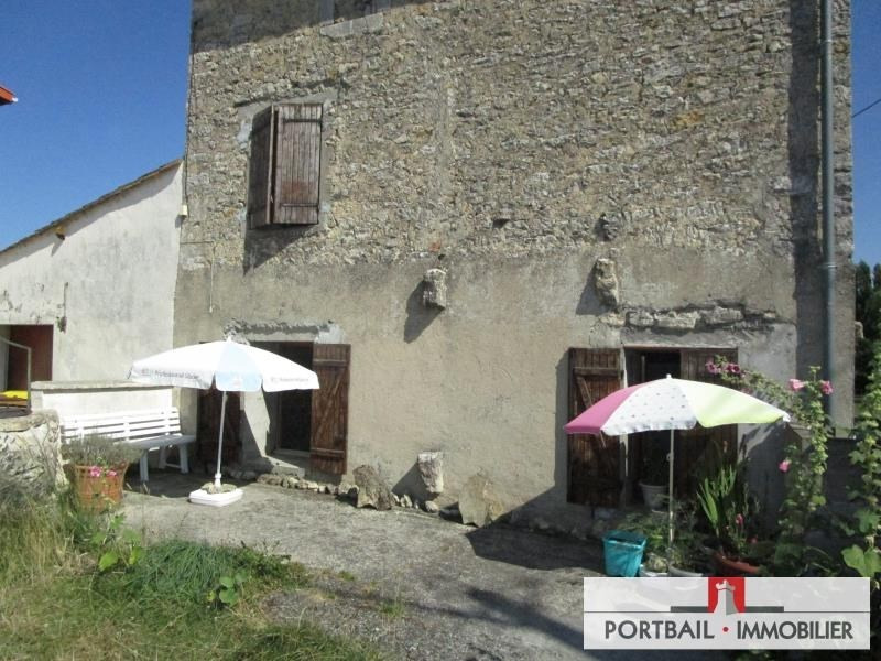 Investment property house / villa Blaye 89 900€ - Picture 1