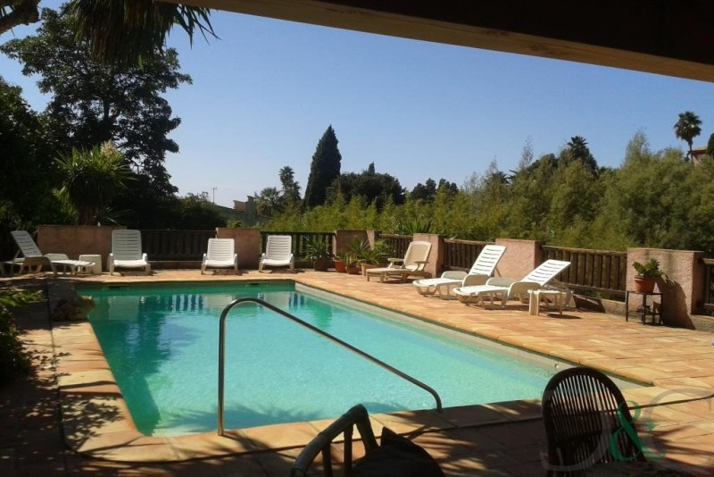 Deluxe sale house / villa Rayol canadel sur mer 2 150 000€ - Picture 3