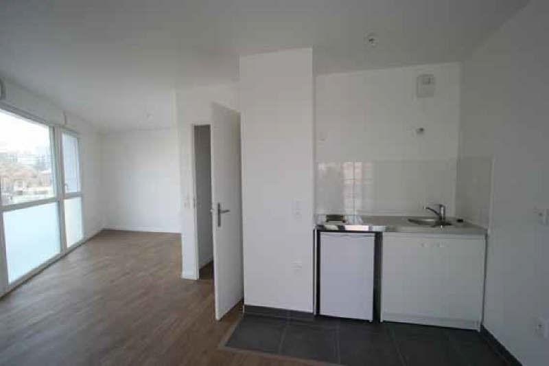 Rental apartment Nanterre 851€ CC - Picture 1