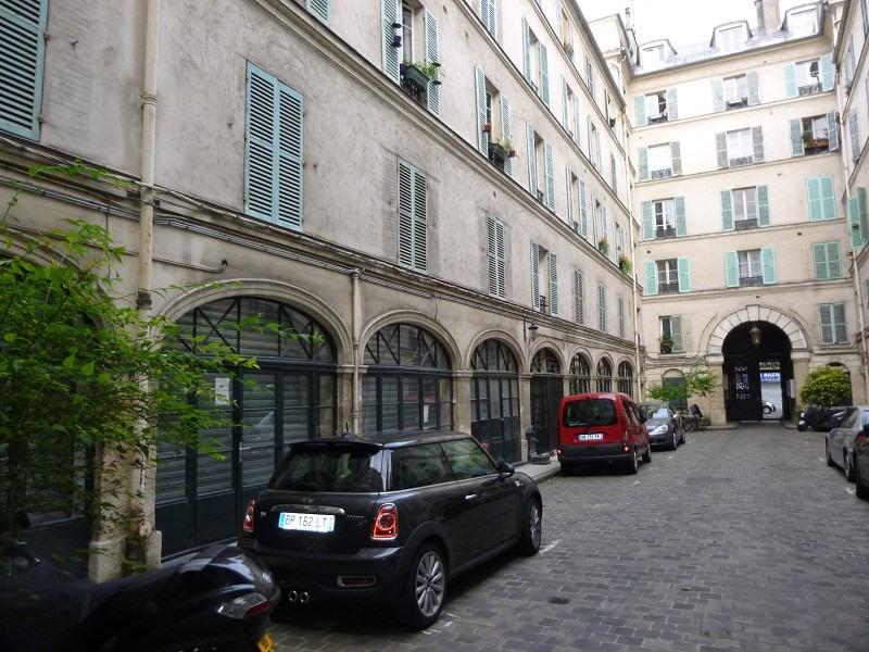 Rental apartment Paris 10ème 758€ CC - Picture 1