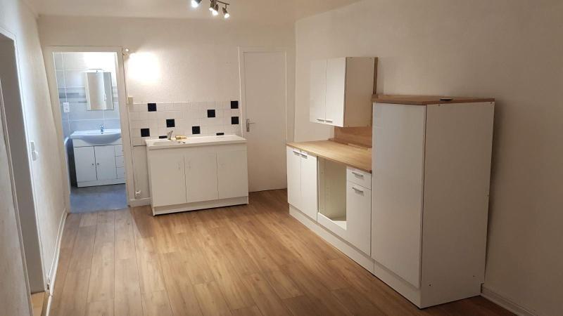 Location appartement Anse 476,92€ CC - Photo 1