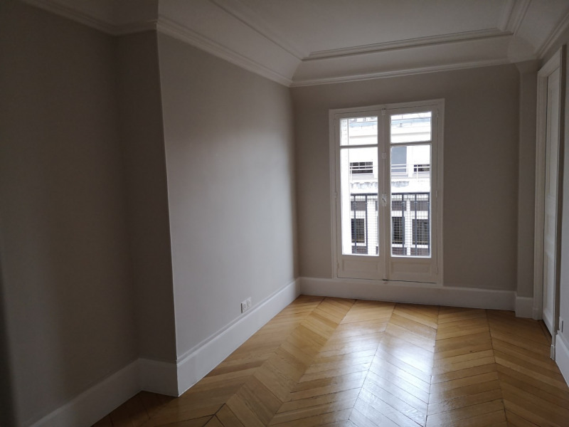 Location appartement Paris 8ème 4240€ CC - Photo 8