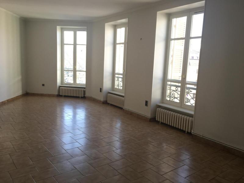 Location appartement Villefranche 590€ CC - Photo 1