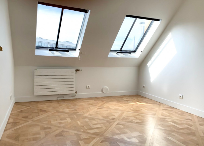 Location appartement Paris 8ème 5 120€ CC - Photo 6