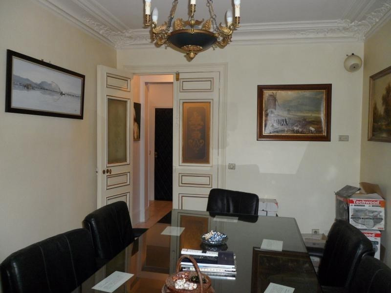 Vente de prestige appartement Paris 10ème 1256600€ - Photo 2