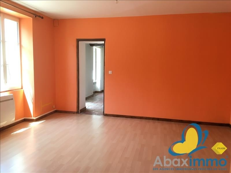 Location maison / villa Crocy 655€ CC - Photo 4