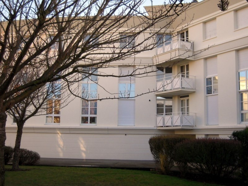 Verhuren  appartement Montigny le bretonneux 880€ CC - Foto 3