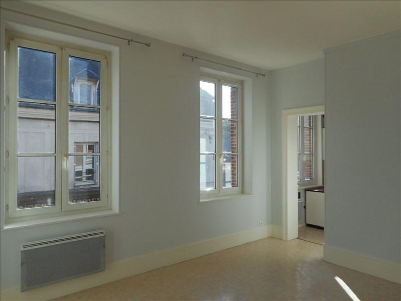 Rental apartment Fauville en caux 460€ CC - Picture 1