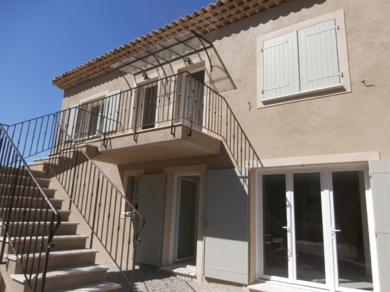 Location appartement Calas 950€ CC - Photo 1