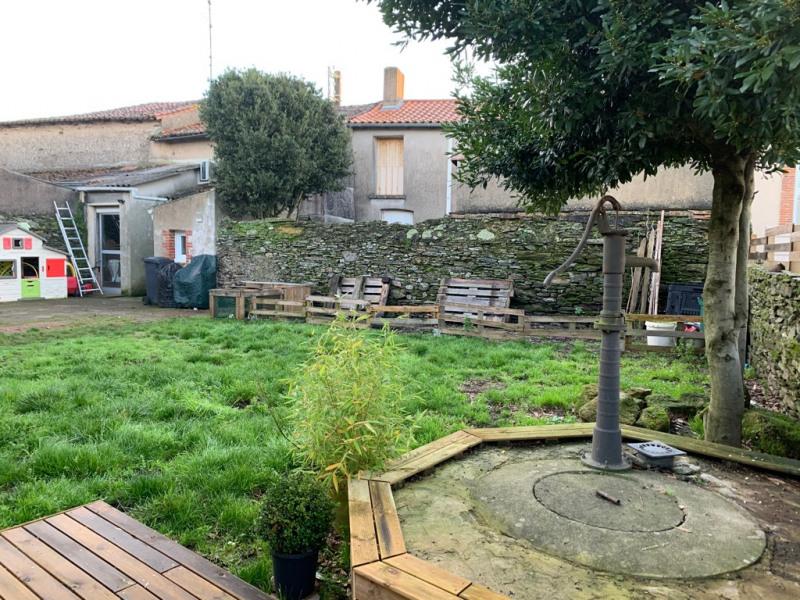 Sale house / villa Le fief-sauvin 132200€ - Picture 5