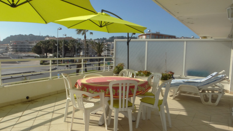 Vacation rental apartment Cavalaire sur mer 1 300€ - Picture 4