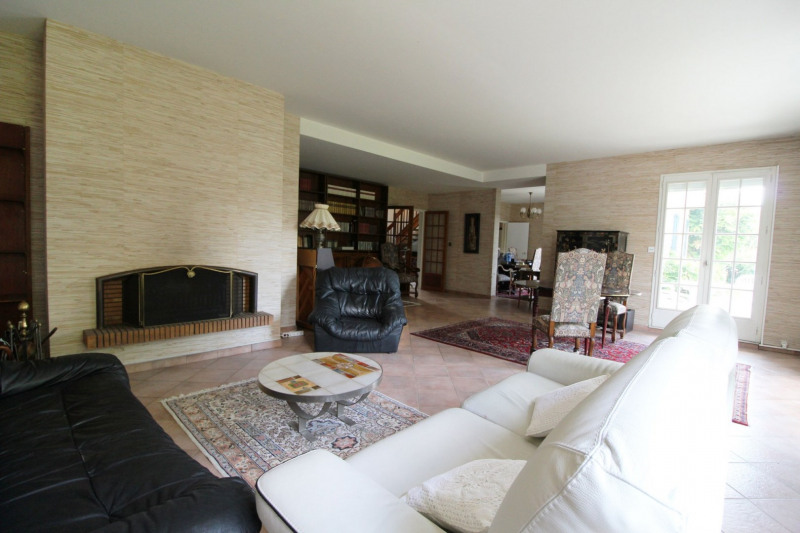 Sale house / villa Maurepas 546 000€ - Picture 2