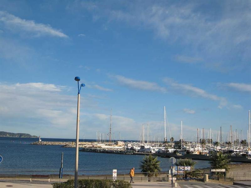 Vacation rental apartment Cavalaire sur mer 800€ - Picture 4