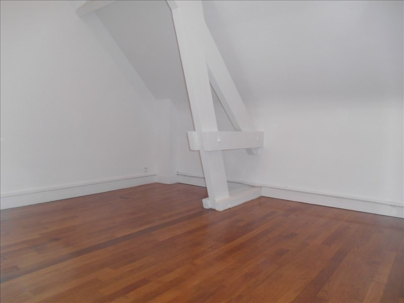 Location appartement Verrieres le buisson 880€ CC - Photo 5