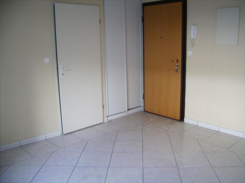 Verhuren  appartement Saint denis 442€ CC - Foto 5