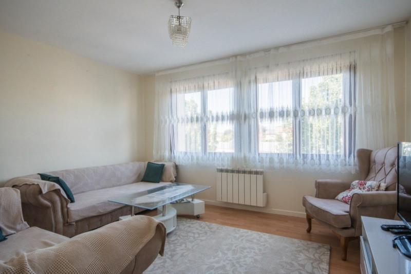 Sale apartment Aix les bains 222600€ - Picture 2