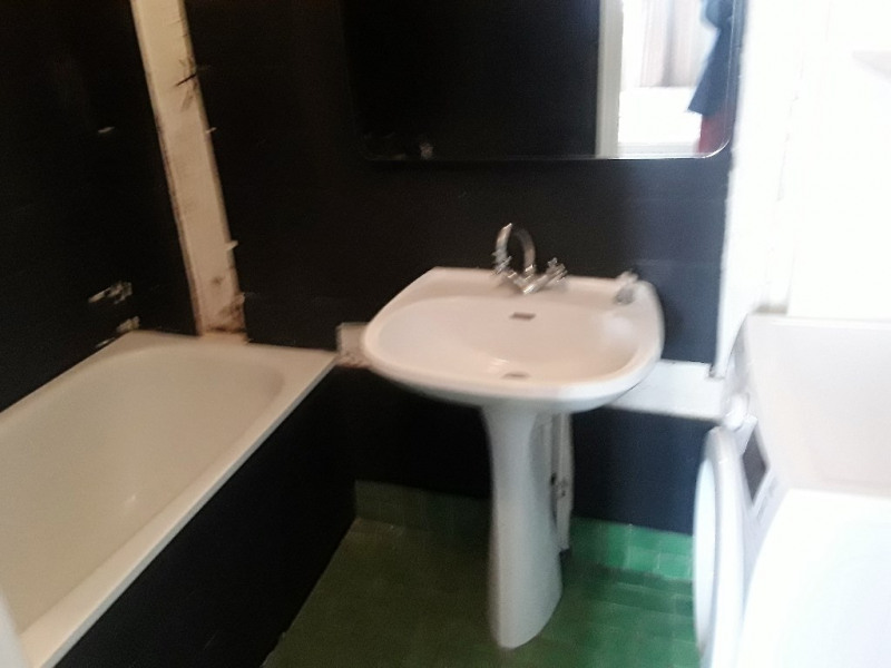 Location appartement Paris 10ème 1 850€ CC - Photo 7