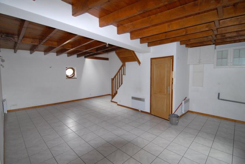 Location appartement La ville du bois 1131€ CC - Photo 2